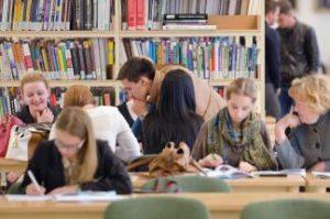 Šiandienos verslininkai būtent regionuose daugiau dėmesio turėtų skirti mokyklinio amžiaus jaunimui