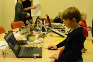 Edukaciniai užsiėmimai verslo įmonės darbuotojų vaikams