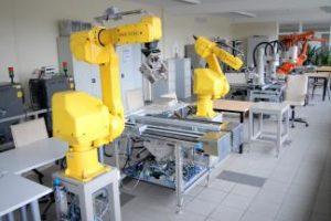 Panevėžyje rengiami robotikos specialistai – geidžiami užsienio įmonių praktikantai