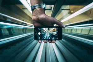 """Pramonė 4.0 keičia pasaulį: ar greitu metu savo išmaniuosius telefonus """"nešiosimės"""" po oda?"""